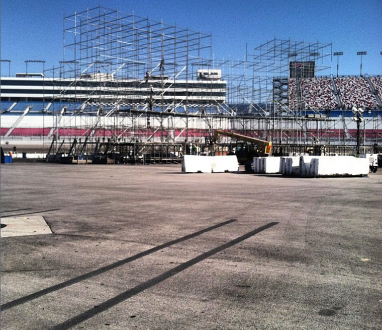 EDC 2013 Stage Construction