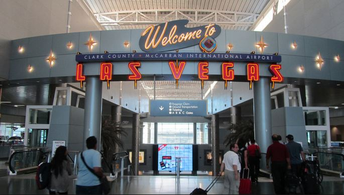 Edc Protip Flying Into Mccarran Airport The Scene Is Dead